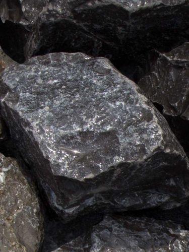 Ardenner grau Bruchsteine 60-90mm naß