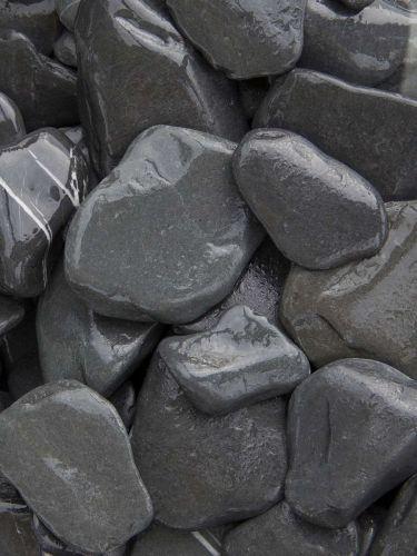Flat Pebbles Schwarz 30-60mm naß