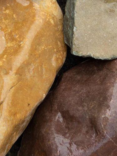 Rheinkies Gabionensteine bunt 80 - 200mm (8 - 20cm) (naß)