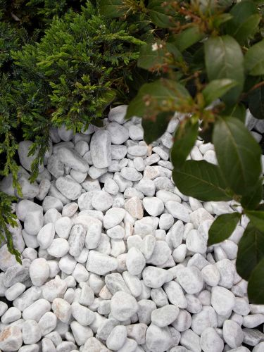 Marmorkies weiß 16 - 25mm verlegt