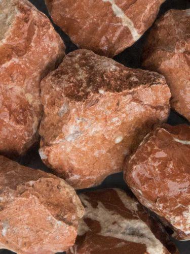 Marmor Rot Bruchsteine 40 - 80mm naß