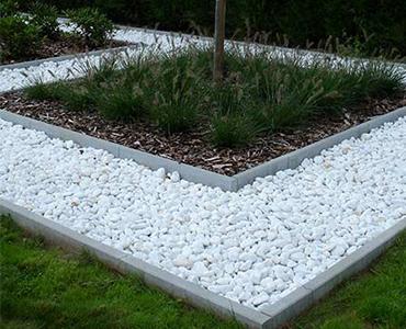 Der symmetrische Garten; minimalistische Architektur ganz interessant.