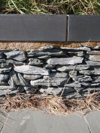Gartenmauer grau