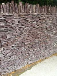 Gartenmauer_violett_Canadian_Slate
